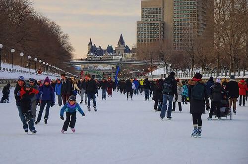 この画像は、サイトの記事「スケート 滑り方 おすすめ YouTube視聴無料動画 まとめてご紹介!」のイメージ写真画像として利用しています。