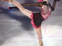 この画像は、サイトの記事「フィギュアスケート 衣装 おすすめ YouTube視聴無料動画 まとめてご紹介!」のイメージ写真画像として利用しています。