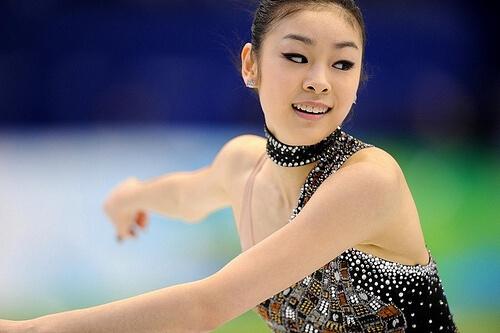 この画像は、サイトの記事「フィギュアスケート キム・ヨナ おすすめ YouTube視聴無料動画 まとめてご紹介!」のイメージ写真画像として利用しています。